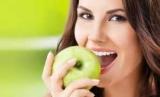 Стоматологи назвали продукты для профилактики кариеса