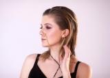 Певица COLA выпустила лето lyric video на песню «Зомбі»