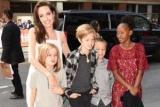 У гонитві за жахами: заради Хеллоуїна Анджеліна Джолі витратила тисячу доларів на дитячі костюми