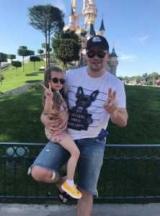 Очаровательная девушка Кристина Асмус и Гарик Каждый учит отца танцевать